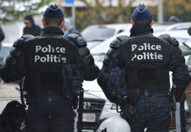 Onderzoeksrechter houdt veertiger uit Berchem aan die naar politie spuwde