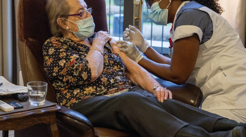Mortsel wint op verloren maandag met start vaccinatie in woonzorgcentra