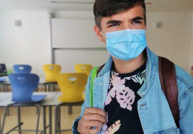 Sterke aanbeveling tot opschorting van alle buitenschoolse (sport)activiteiten jongeren en mondmaskers voor leerlingen 5de en 6de leerjaar